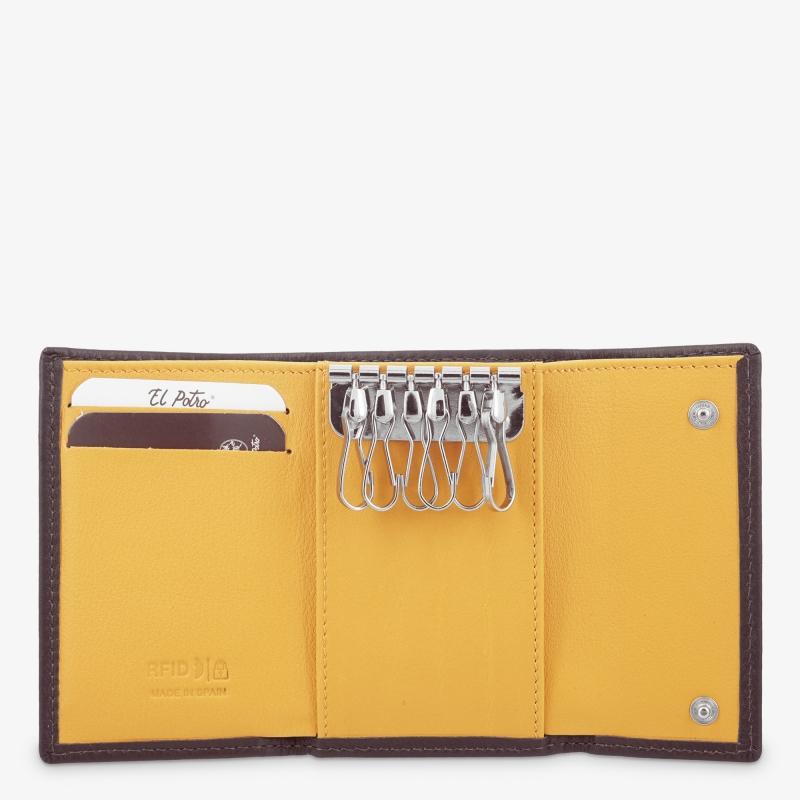 Llavero de 8 llaves con  Monedero hombre en piel vacuno color marrón/mostaza-Tribeca-El Potro
